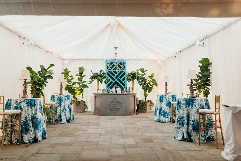 décor de réceptions bleu et vert pour les tendances de mariage en 2020
