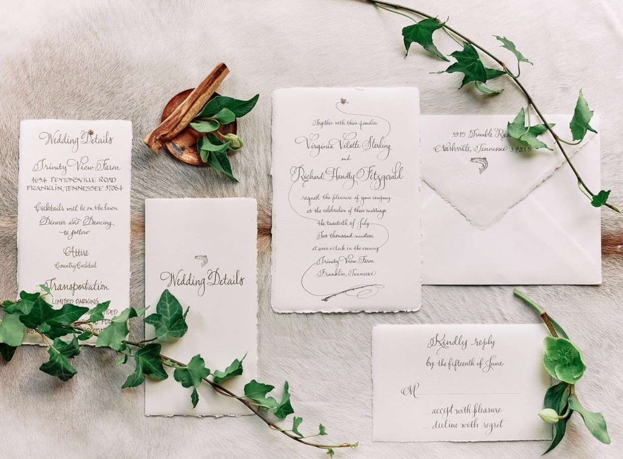 Suite d'invitations de Valorie Ward Calligraphy