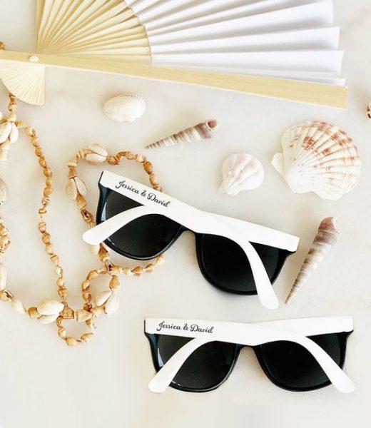 lunettes de soleil personnalisée avec les noms des mariés