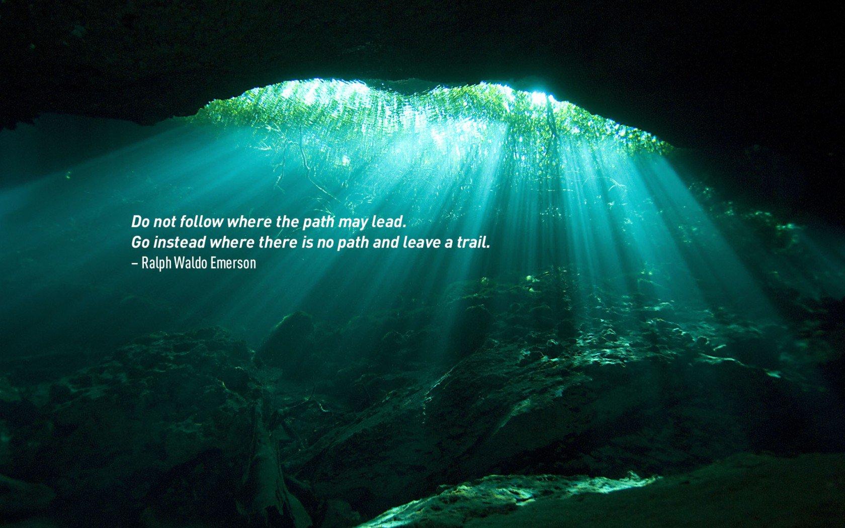 Citation de voyage par Ralph Waldo Emerson.