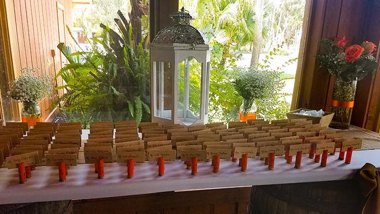 Cartes de visite de mariage champêtre et cartes d'escorte de mariage champêtre avec coquilles de fusil de chasse | Guide de la mariée: 6 idées de thèmes de mariage champêtre vintage dès le ranch! | Ranch de la rivière Westgate