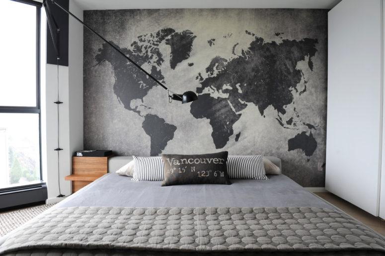 une tête de lit en mappemonde est une solution intéressante pour une chambre inspirée des voyages (Gaile Guevara)