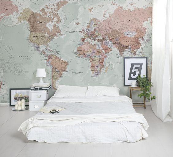 décoration de chambre scandinave confortable avec une fresque murale carte du monde