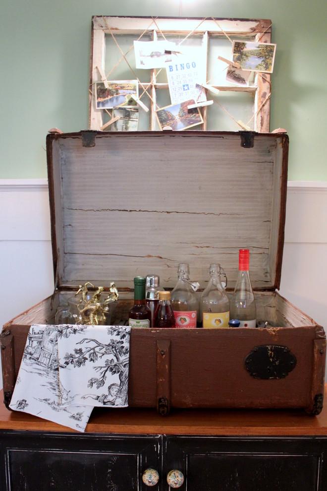 un petit bar à la maison pourrait tenir dans une grande valise vintage