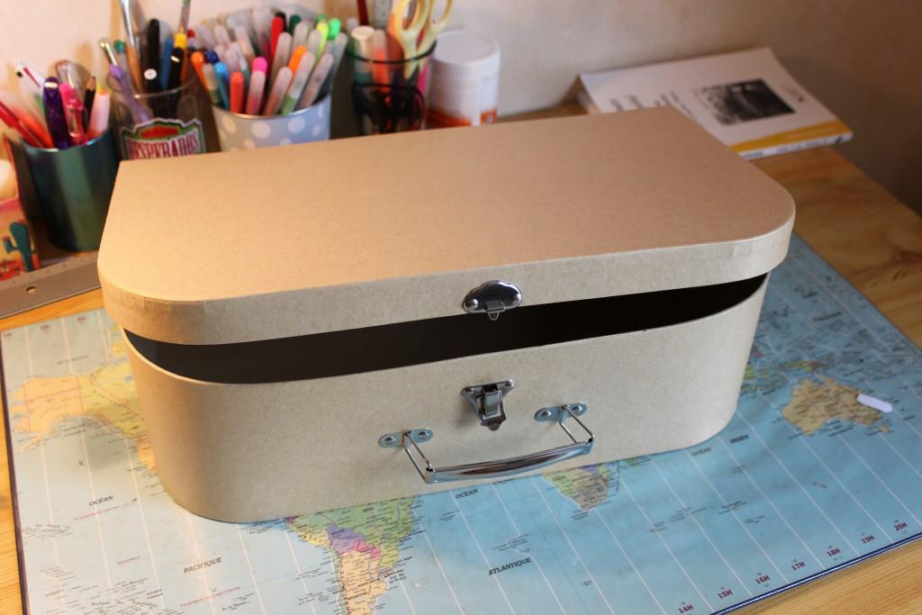 Une valise de voyage comme urne de mariage!